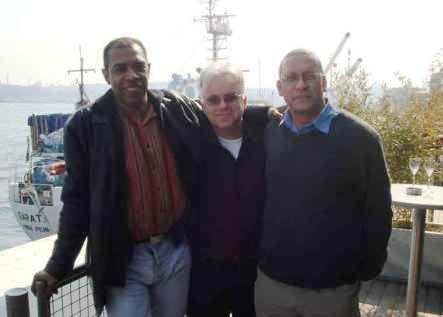 Gabriel Gbadamosi, Jonathan Meth et moi à Istanbul