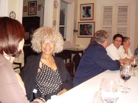Simone Schwartz-Bart lors d'un dîner au Maud'huy (Guadeloupe). Photo A.F.